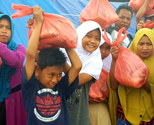 islamic charity helping indonesia earthquake victims
